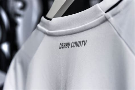 Derby County 2020-21 Umbro Home Kit | 20/21 Kits ...