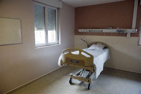 chambre isolement psychiatrie le mag 39 ebola à l 39 hôpital bichat tout est prêt pour d