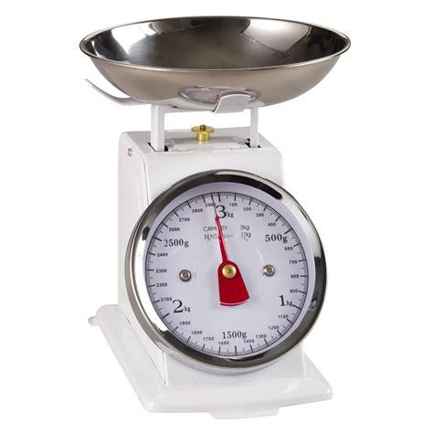 balance de cuisine pro balance de cuisine vintage en métal blanc maisons du monde