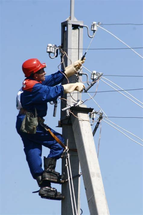 Определение общего числа электромонтеров определение общего числа и состав инженернотехнических работников итр электротехническая.