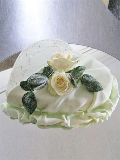 hochzeits torte rose auf herz auf jade