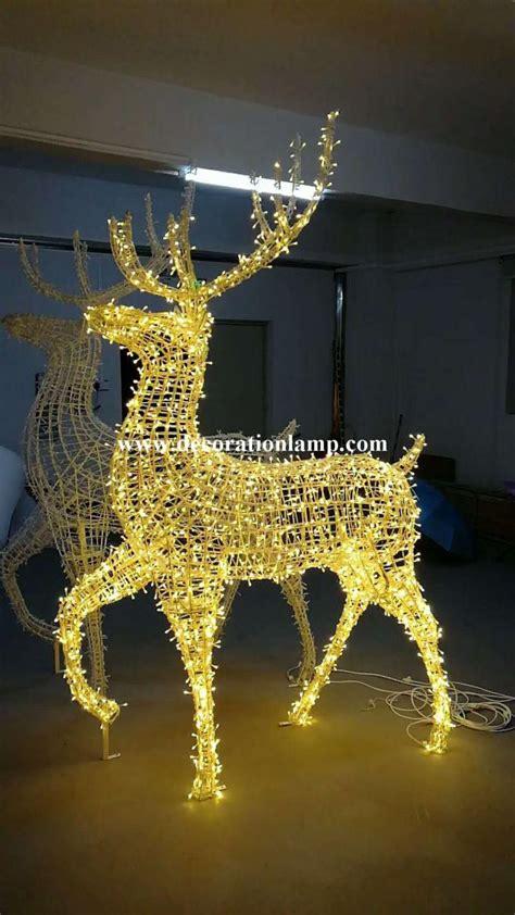 large outdoor christmas reindeer light