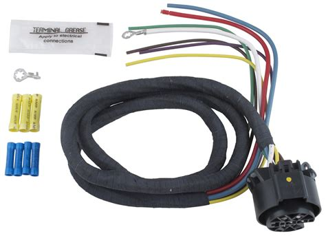 universal wiring harness for multi tow vehicle end