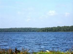 Communities with a Lake in the Poconos of PA, Lakefront Homes