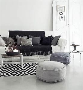Teppich Schwarz Gold : wohnzimmer wanddeko ideen ~ Whattoseeinmadrid.com Haus und Dekorationen