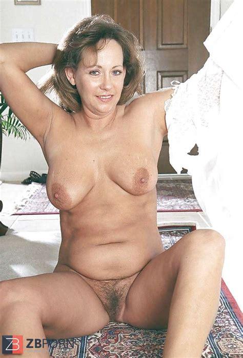 Nude Mature Fur Covered Slit ZB Porn