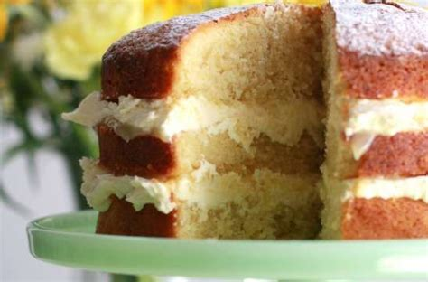 lemon madeira cake  recipes  pretty witty cakes