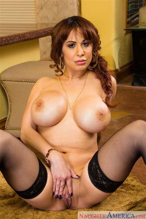 Big Titted Milf Is Wearing Black Stockings Photos Alyssa Lynn Milf Fox