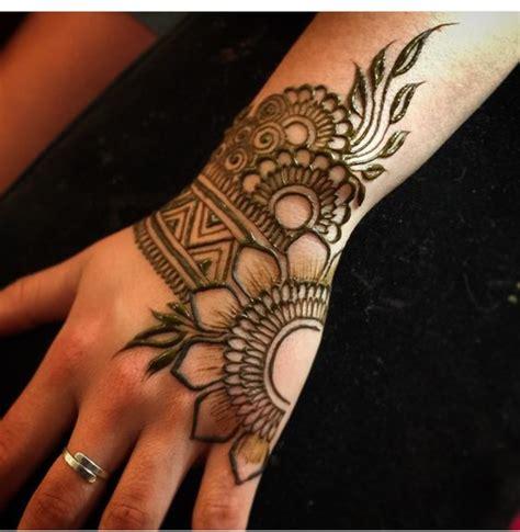 mehandi design  karwa chauth mehndi designs  tips
