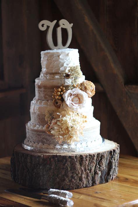Crème De La Cakes Specializing In Rustic Wedding Cake