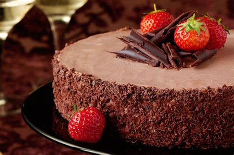 dessert for chocolate dessert with strowberry chocolate cake cake ideas by prayface net