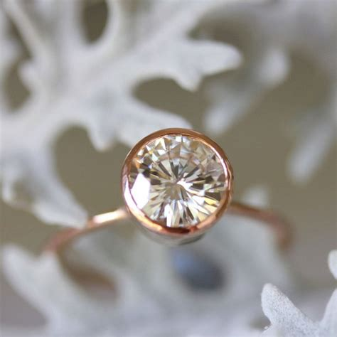 things you should know before buying moissanite engagement