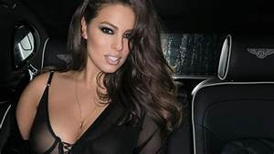ashley graham montre sa cellulite sur instagram son With robe de cocktail combiné avec montre suivi activité