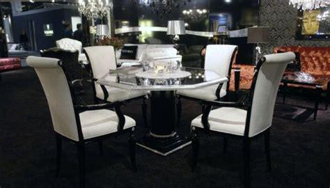 Il Capo Dining Table by Expensive Cabriella Piato Table