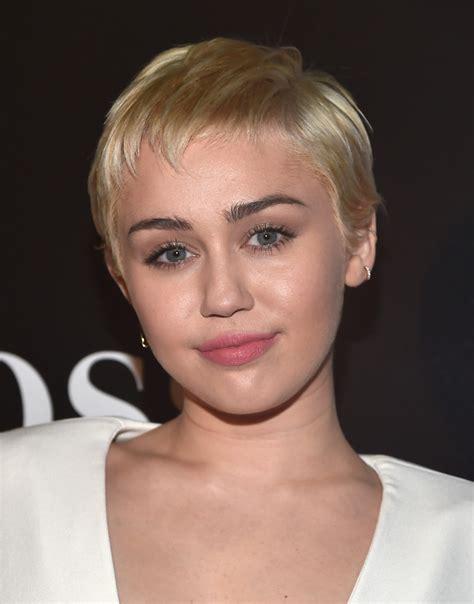 miley cyrus pixie miley cyrus hair lookbook stylebistro