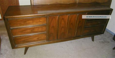 31008 link furniture modernist modern oak wood platform bed mid century bedroom