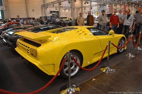 Bugatti revealed the eb 110 to the world on september 15th, 1991, in front of major french monuments like versailles and the grande arche de la defense in paris. 1992 Bugatti EB110 SS Gallery     SuperCars.net