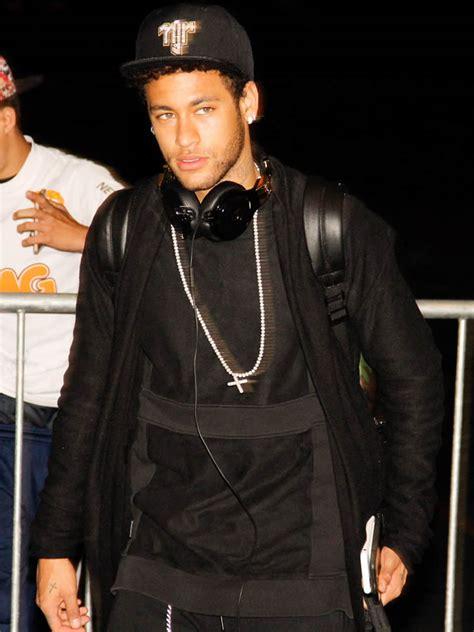 U00a3198m Neymar Is Proof That Money Canu2019t Buy Style   FashionBeans