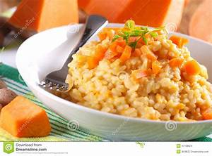 Assiette à Risotto : risotto de potiron du plat photo stock image du assiette 47138624 ~ Teatrodelosmanantiales.com Idées de Décoration
