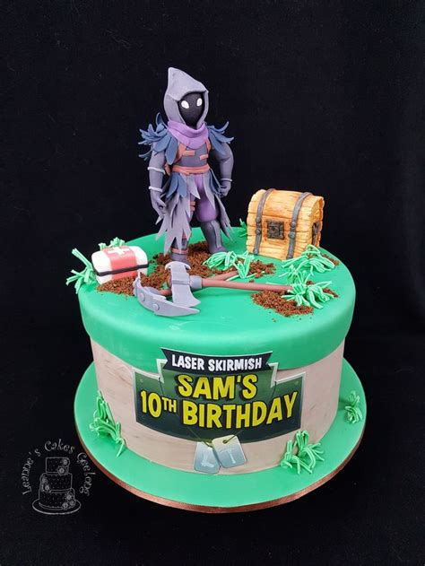 fortnite battle royale    similar cake