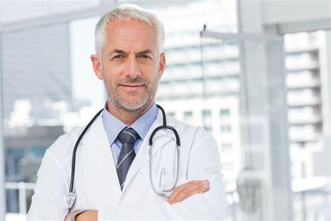 bureau de poste emploi médecin salaire études rôle compétences regionsjob
