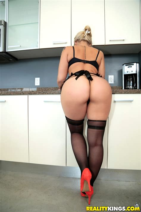 Coochie In The Kitchen A Monster Curves Porn Movie