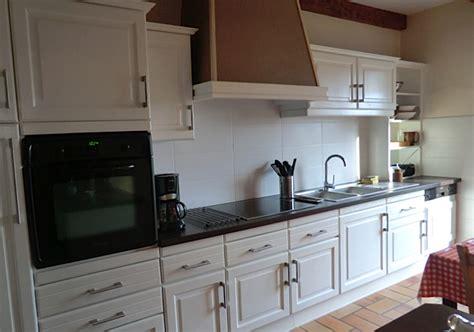relooker cuisine rustique relooker une cuisine rustique maison design bahbe com