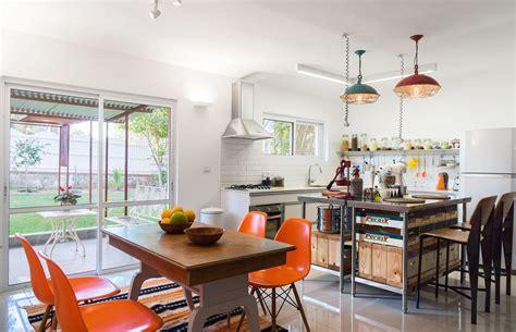 Vintage Style Kitchen Mixes Retro Decor with Industrial