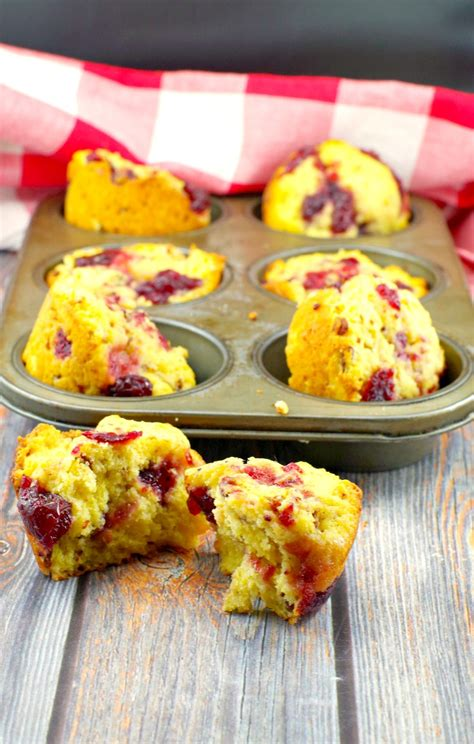 This recipe brought back so many memories. Cranberry Cornbread Muffins|leftover cranberry sauce -Food Meanderings