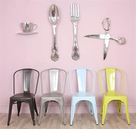 chaise de bureau verte chaises industrielles designs vintage et modernes