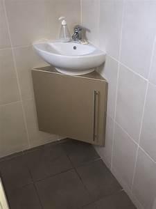 meuble sous vasque d39angle par tacoule38 sur l39air du bois With petit meuble sous vasque