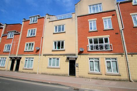 cj hole southville  bedroom flat  rent  north street