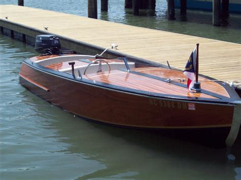 images  dream boat  pinterest runabout boat chris craft  classic boat