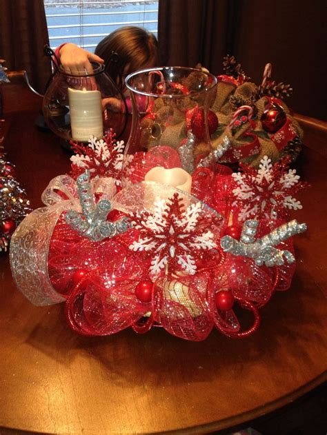 christmas centerpiece    straw  wreath