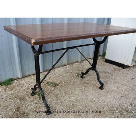 table de bistrot fer forg 233 et plateau bois 4 personnes le palais des bricoles