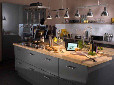 re eclairage cuisine tout savoir sur l 39 éclairage dans la cuisine leroy merlin