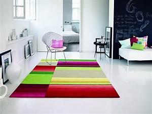 le tapis muticolore tres design photo 9 12 ce tapis With tapis de marche avec plaid canapé tendance