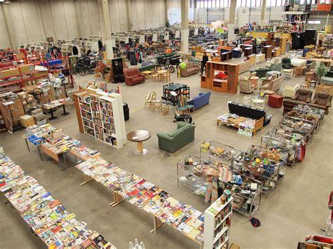 File:Jyväskylä - Seppälä flea market 2.jpg - Wikimedia Commons