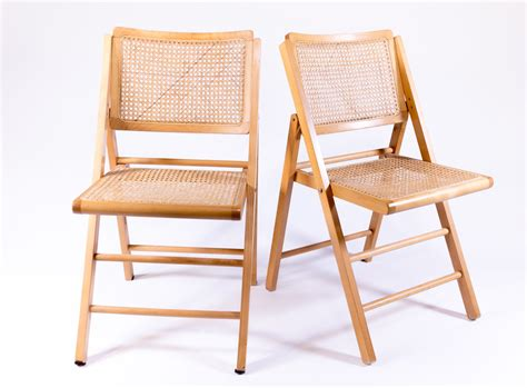 chaise cannee en bois