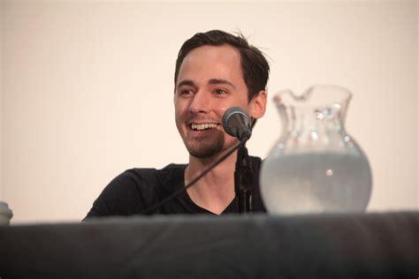 Jake Thomas | Jake Thomas speaking at the 2014 VidCon at ...