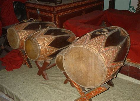 Salah satu contohnya adalah musik ansambel tradisional indonesia. 15 Contoh Alat Musik Ritmis Tradisional, Modern Dan Cara ...