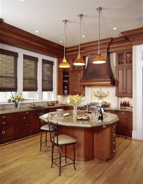 Warm, light hardwood floors such as oak, aspen, hickory or pecan are ideal for a casual kitchen. 52 Enticing Kitchens with Light and Honey Wood Floors ...
