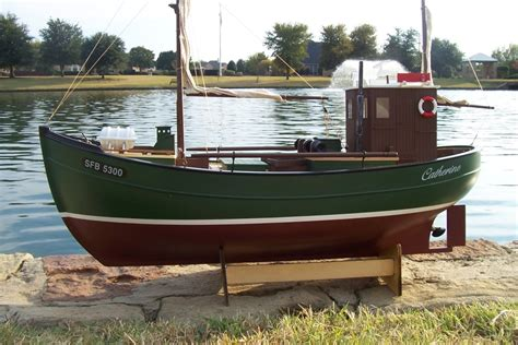 Radio Control Fishing Boats Sale by Rc Fishing Boat Lobster Boat Ready To Run The Scale