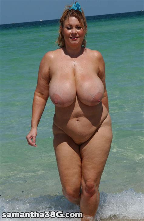 Samantha G Exhibe Ses Gros Seins La Plage Best Boobs