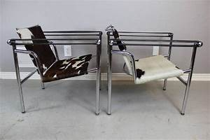 Le Corbusier Lc1 : le corbusier style lc1 sling chair in cowhide by design within reach at 1stdibs ~ Sanjose-hotels-ca.com Haus und Dekorationen