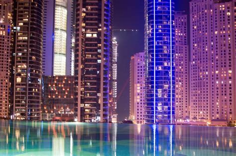 Infinity Pool, Shades At The Address Dubai Marina