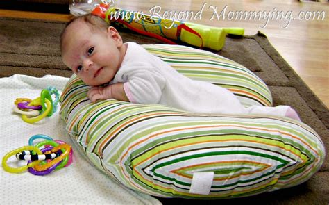 tummy time pillow 10 ways to use a boppy pillow beyond mommying