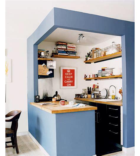 Рациональное обустройство маленькой кухни  советы и фото
