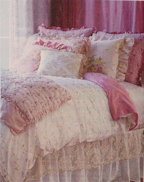 shabby chic bedding california king 1000 ideas about shabby chic comforter on pinterest ruffled comforter simply shabby chic and