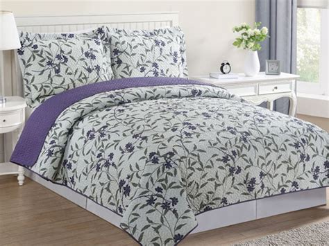 3 Piece Reversible Pinsonic Quilt Set
